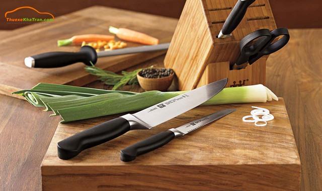 không nên tặng dao kéo cho người khác